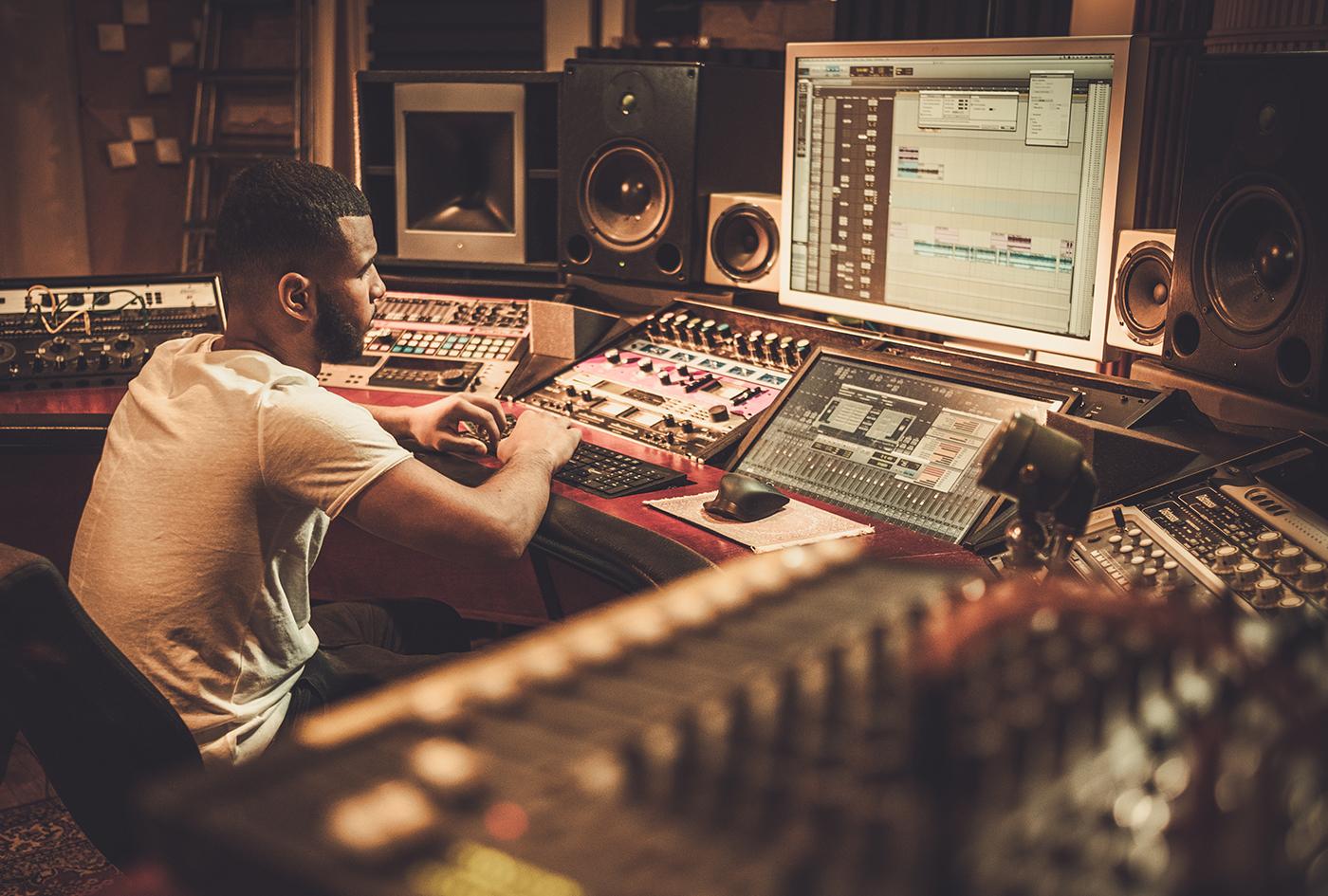 プロ作曲家になりたい方必見!売れっ子作曲家が実践している7つの心得!!